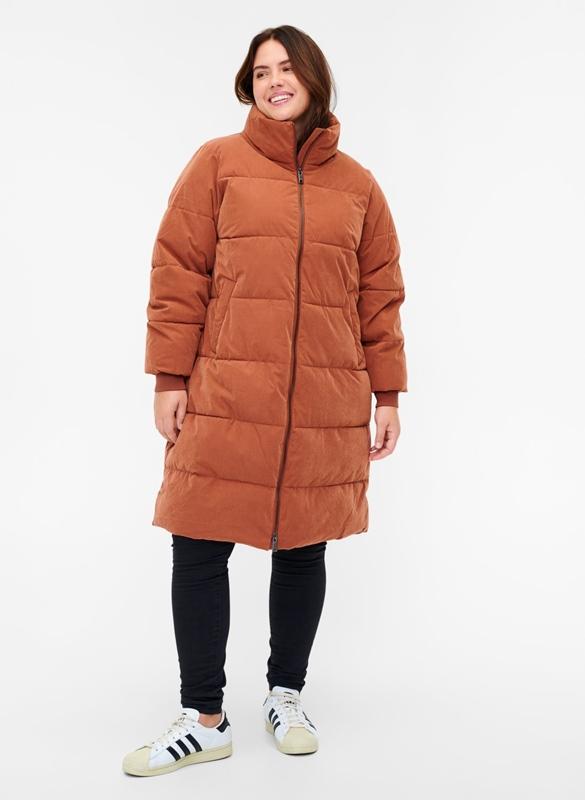 Warmer Mantel mit Steppung